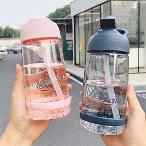 Botellas con paja de agua para deportes de gran capacidad de 550ml botella de plástico para viajes al aire libre botella de escuela para niños y estudiantes