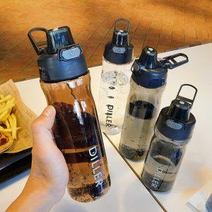 DILLER botella de agua Popular gris hombres deporte al aire libre de viaje de mi botella de bebida de plástico a prueba de fugas leche fruta gimnasio botellas