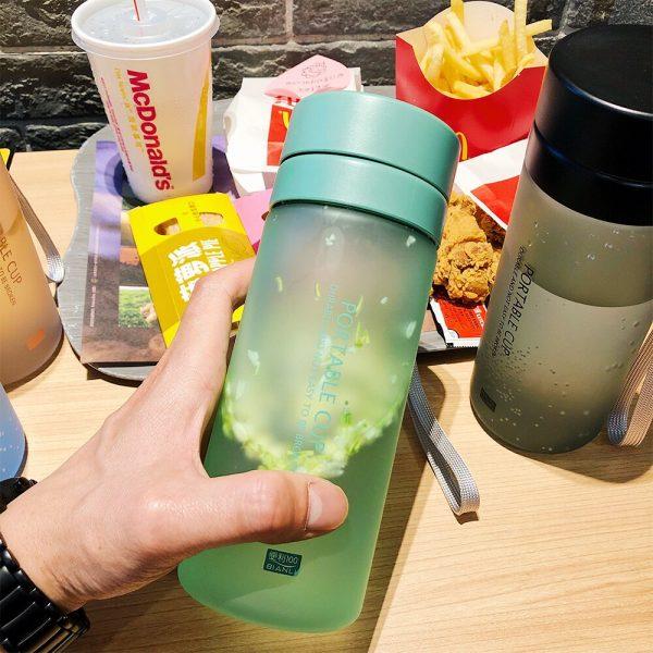 Botella de agua sellado a prueba de fugas Infusor de té botellas de bebida proteína Shaker vasos de plástico portátil oficina, hogar, Colegio zumo de fruta